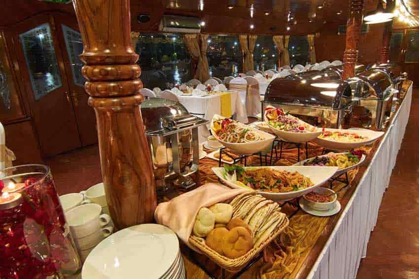 Dinner Cruise Dubai Marina